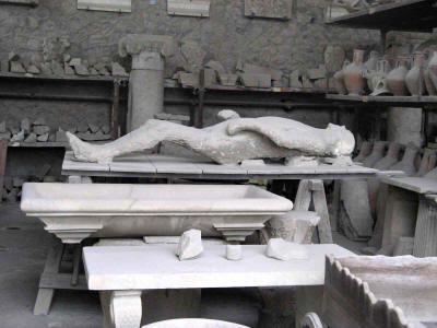 Pompeii Harbor Rental Car